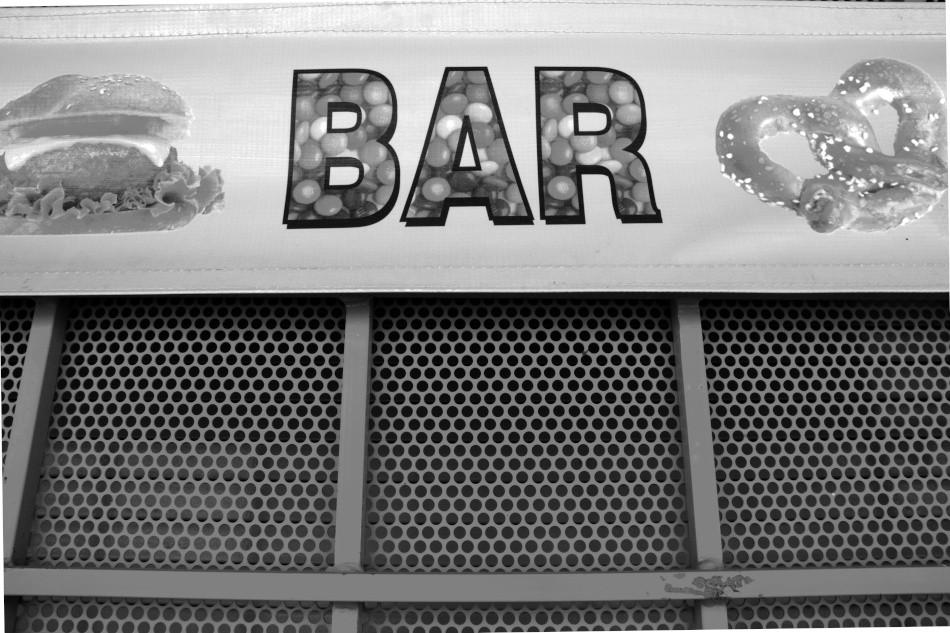 Bar B&W s 5092.jpeg