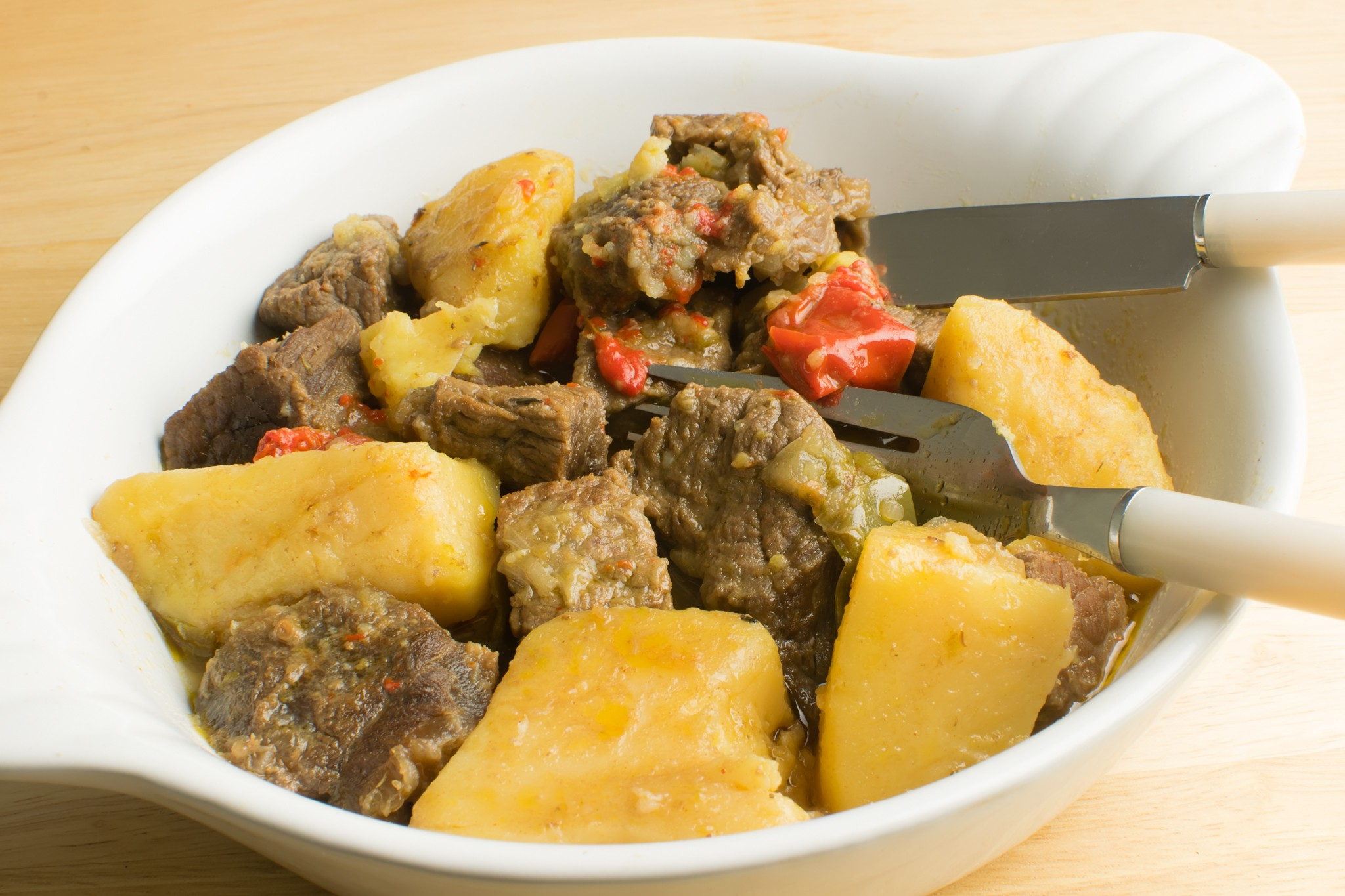 beef stew with bell peppers and wine.jpg