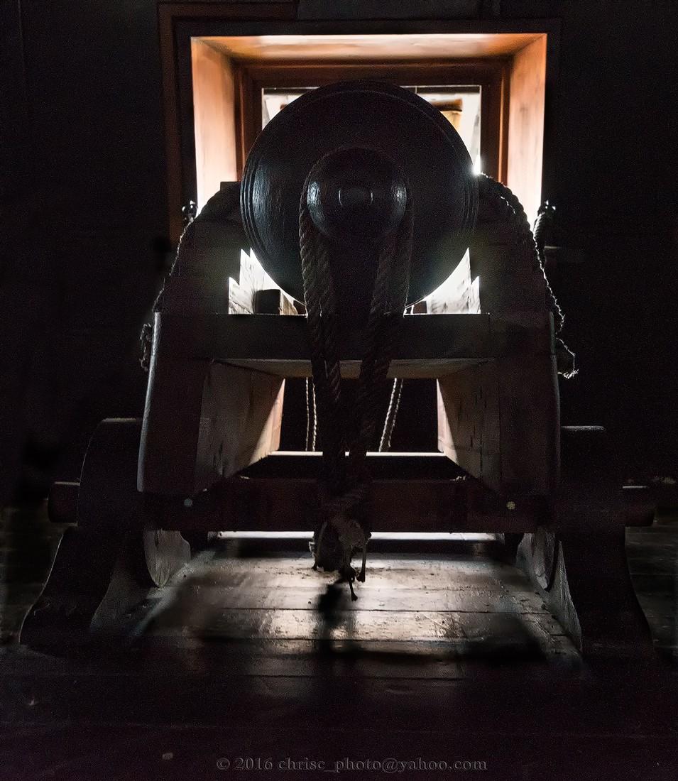 Chain-&-shot-cannon.jpg