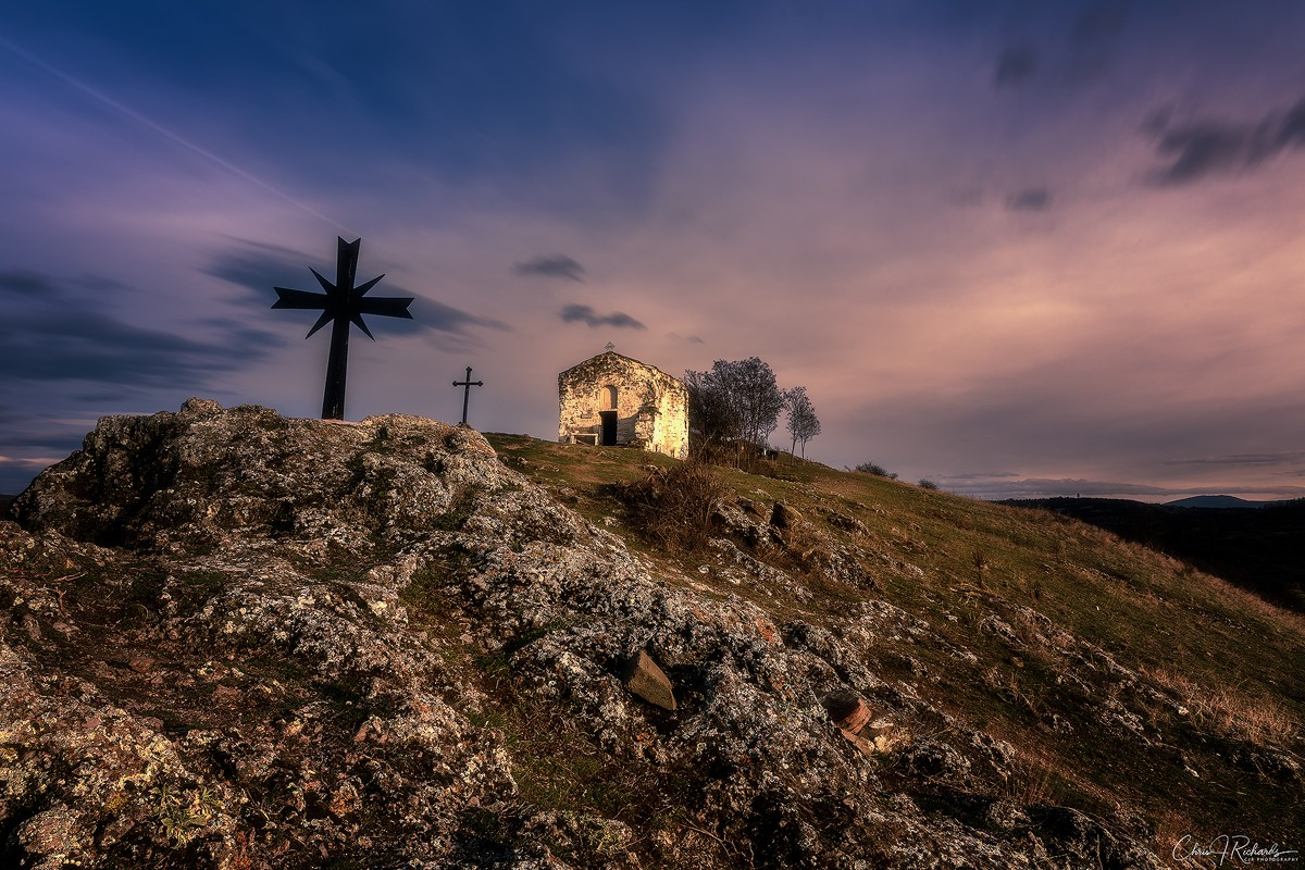 Crosses_Church_Sunset.jpg