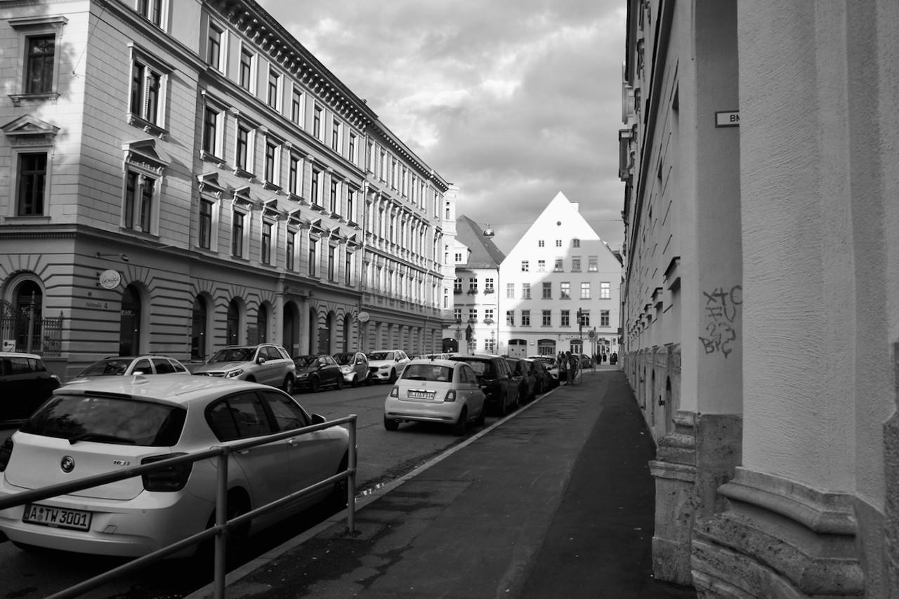 Hallstraße - 1.jpeg