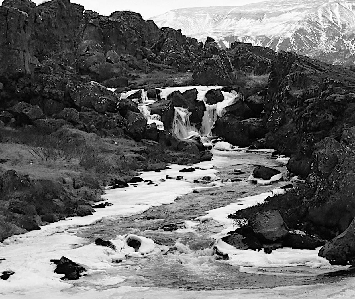 Iceland falls 2.jpg