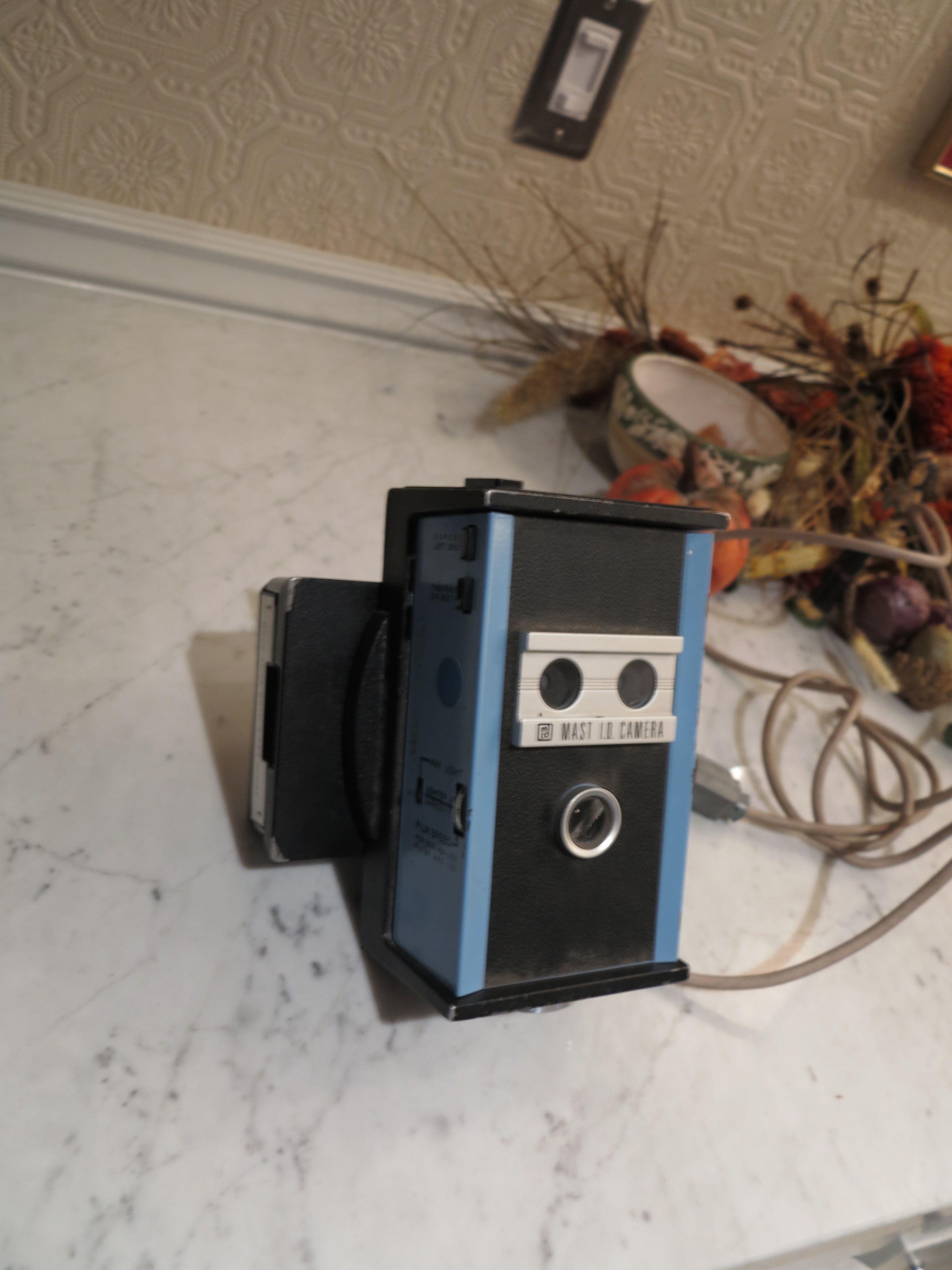 Mast ID camera06.jpg