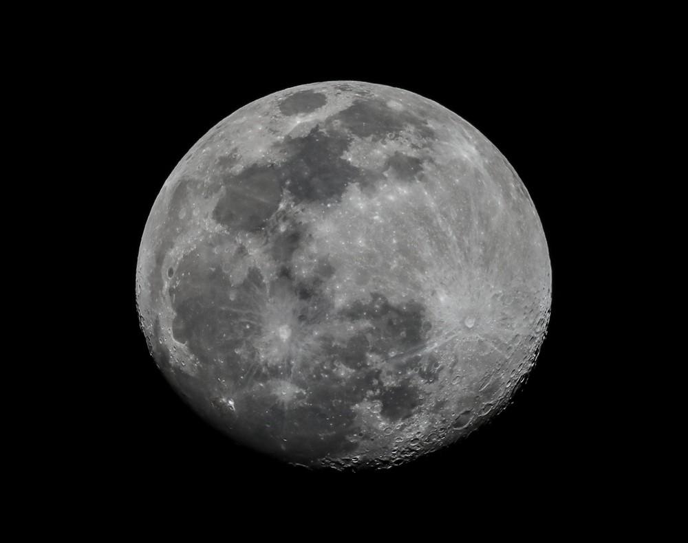 Moon Shot (1 of 1).jpg