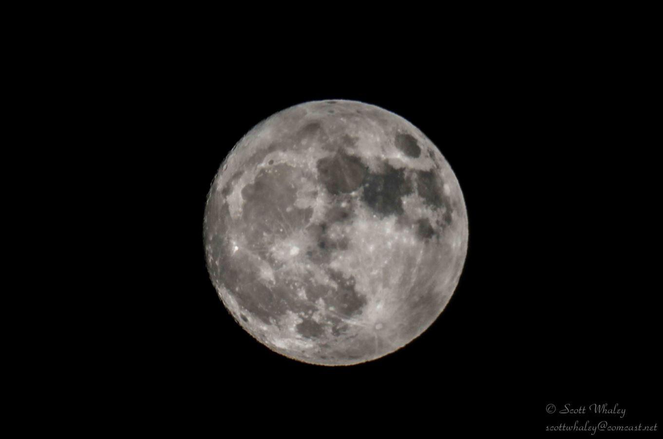 Moon Shot VGA.JPG