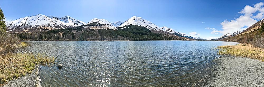 panoramic lake on Kenia pensula.jpg