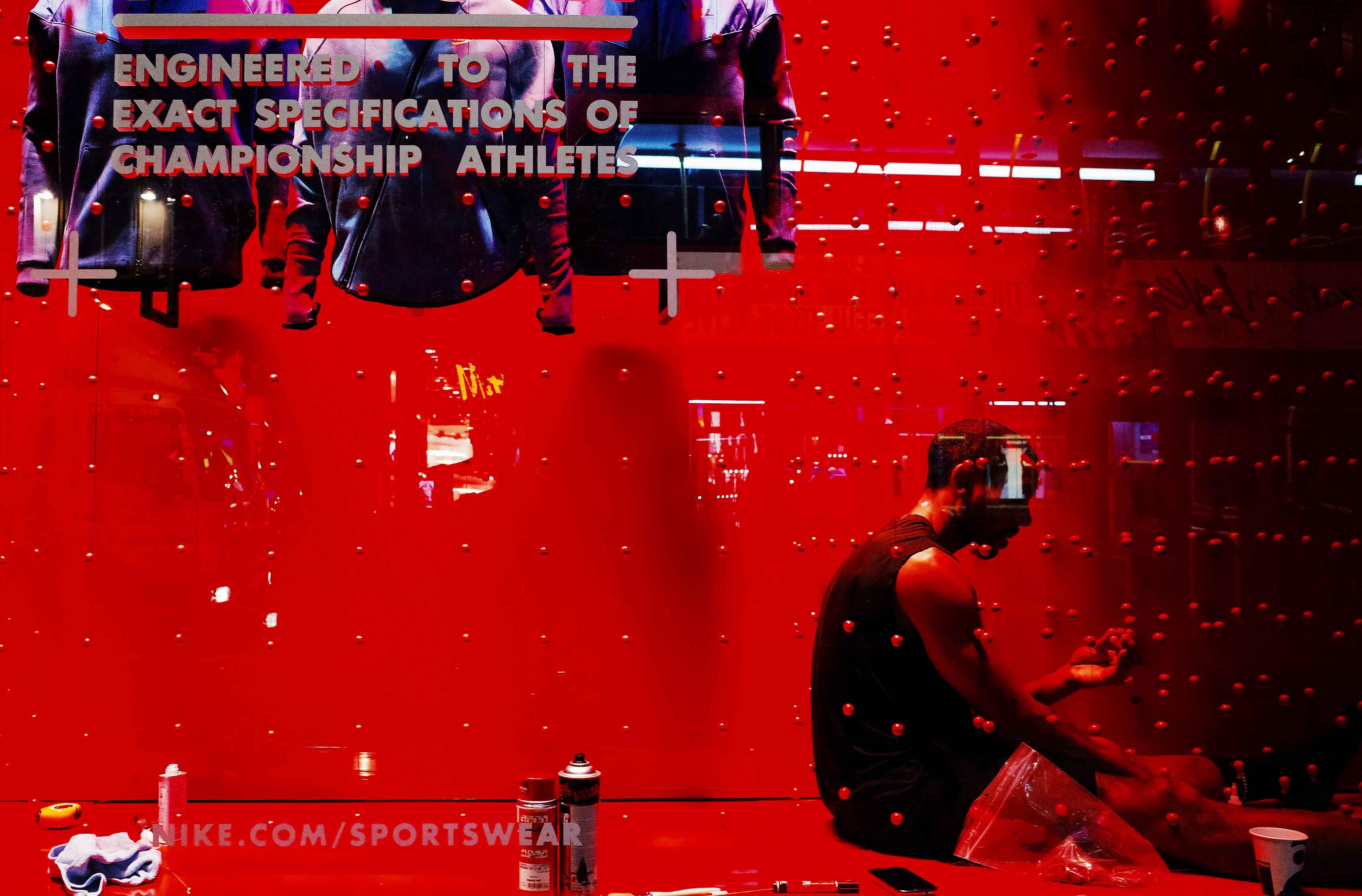 Red_Nike2w.jpg