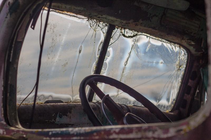 rusted car-2.jpg