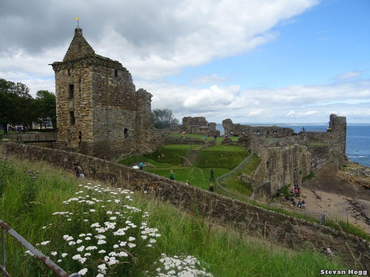 St Andrews Castle (1).JPG