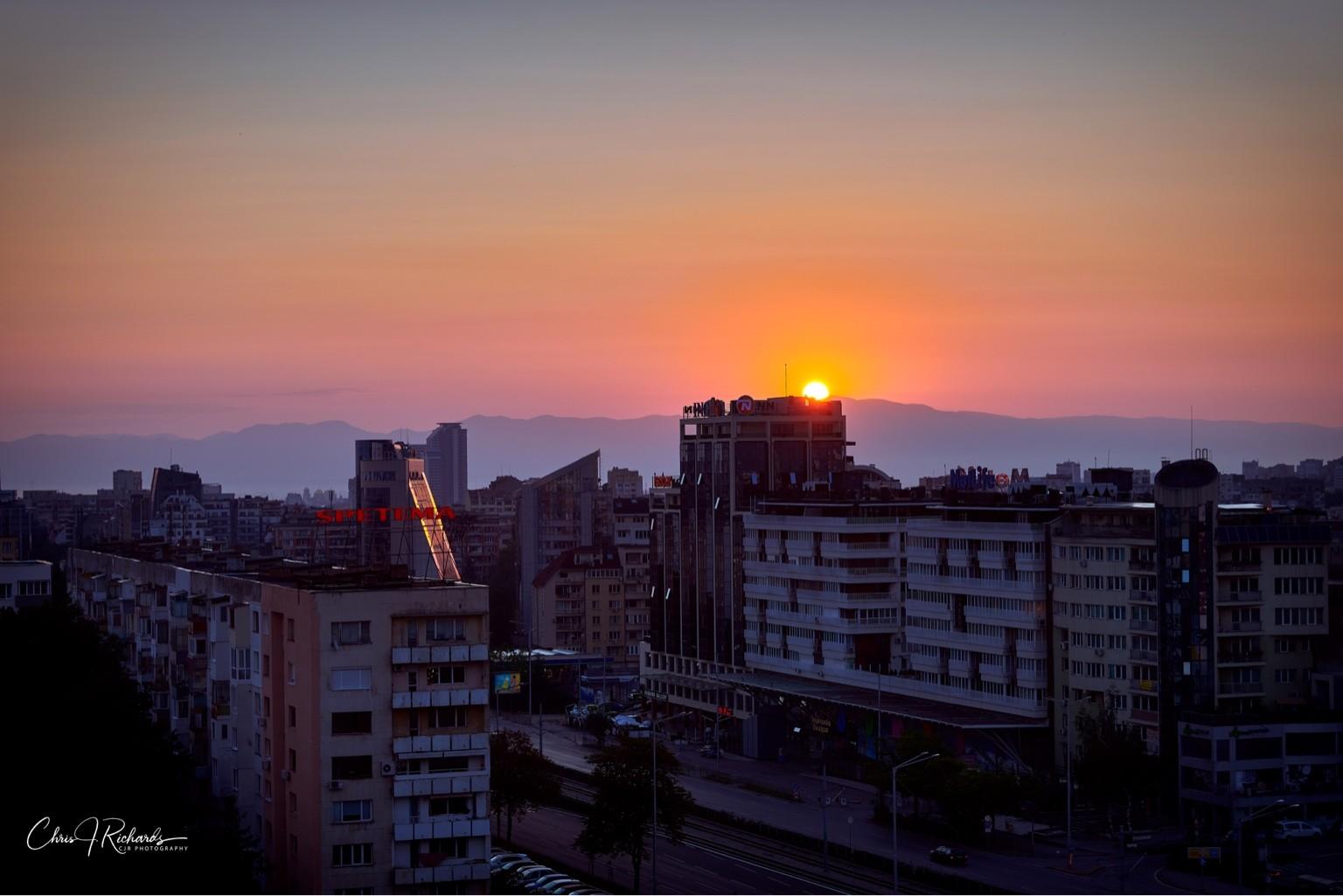 Sunrise_30_Years.jpg
