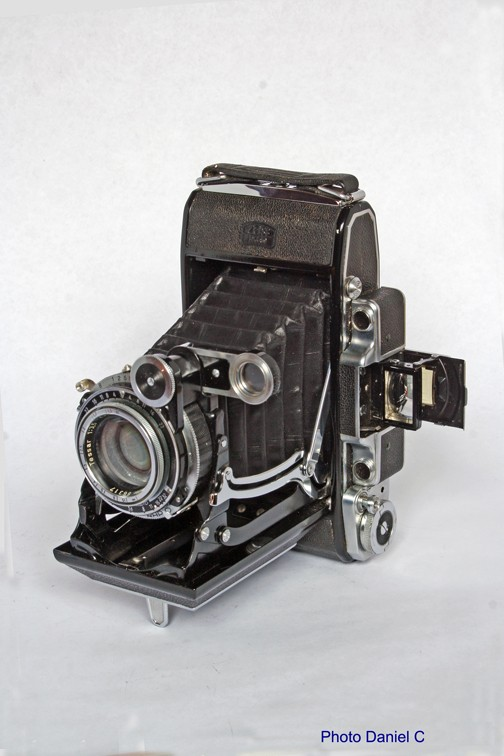 Zeiss Ikon - Super Ikonta C (531-2) [678] small 001.jpg