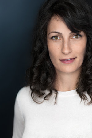 Danielle Shimshoni Headshot by Todd Estrin Photographer